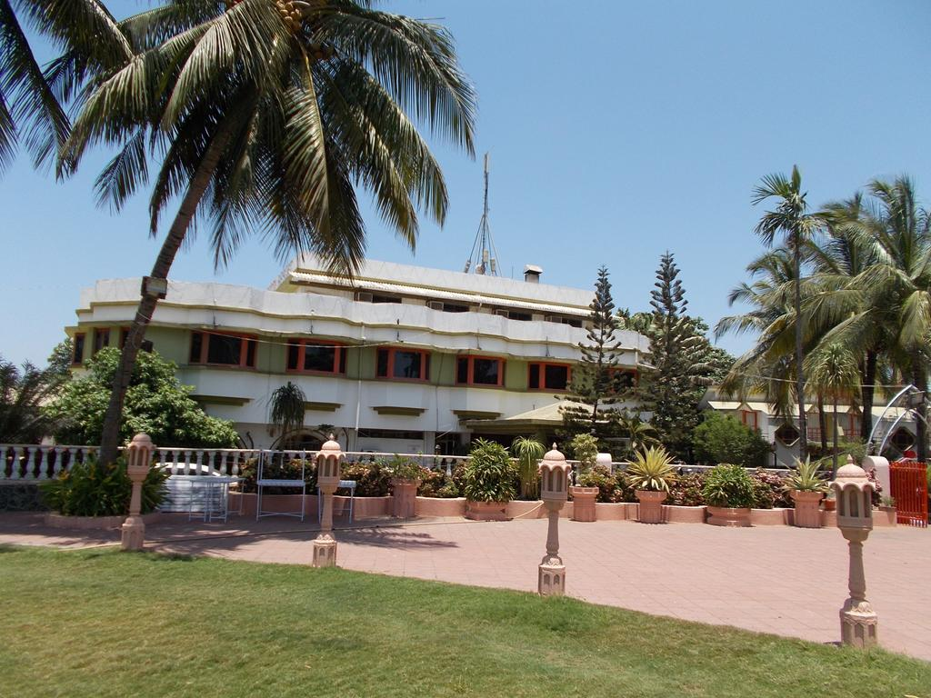 Sandy Resort Daman